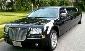 Chrysler 300 limo service Ft Myers
